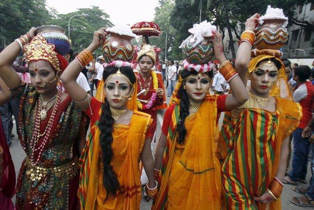 Foto de archivo de mujeres bangladesíes