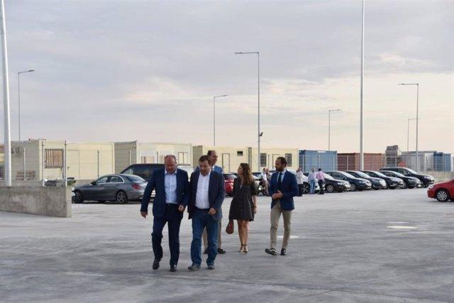 Monago y Vara junto a diputados del PP en la inauguración de las instalaciones de Monliz en la Plataforma Logística de Badajoz