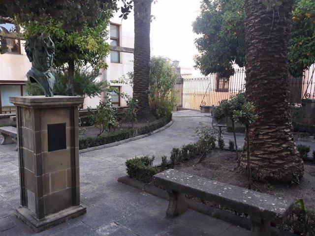 Jardines de la sede Antonio Machado de Baeza (Jaén) de la UNIA