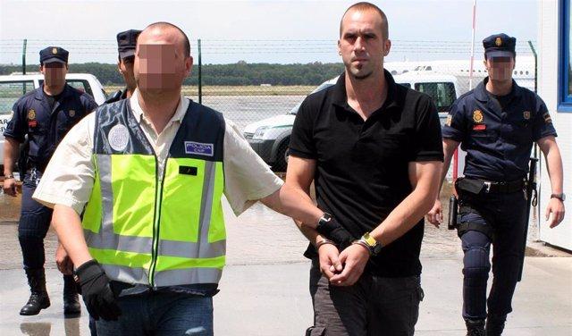 "La Policía Nacional traslada  al  Etarra Gariko itz Aspiazu, alias ""Txeroki"""