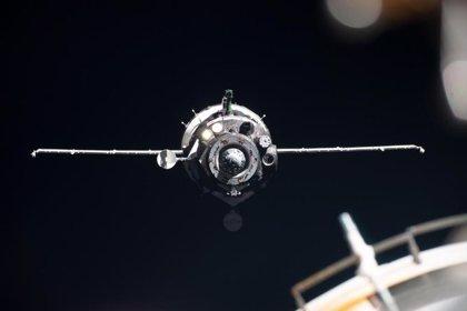 AMP.- Espacio.- La nave espacial rusa Soyuz con el androide 'Fedor' logra acoplarse a la EEI al segundo intento
