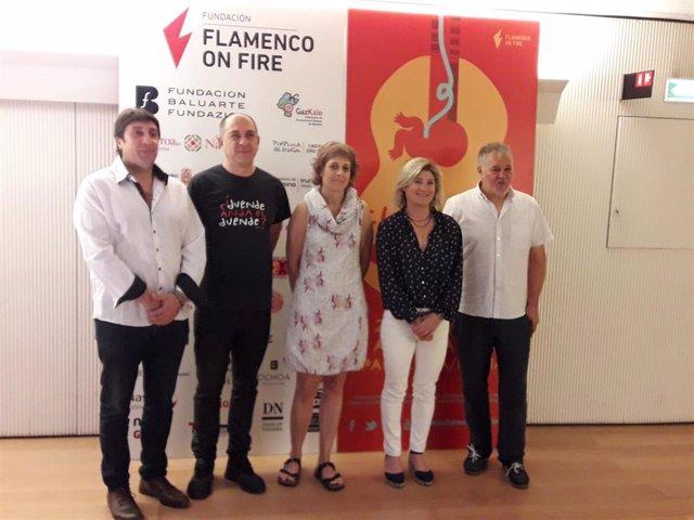 De izquierda a derecha, Ricardo Hernández, Juan Casero, Rebeca Esnaola, María García Barberena y Miguel Morán, en la presentación del balance de Flamenco On Fire.