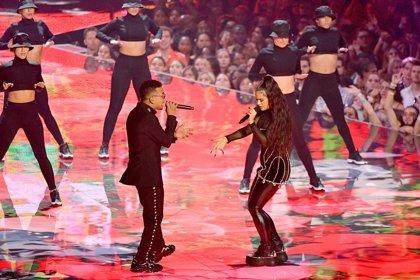 Vídeo de la magnética actuación de Rosalía con Ozuna en los MTV VMAs