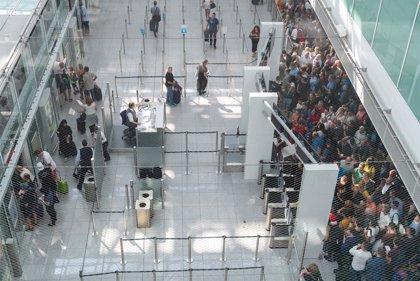 Al menos 130 vuelos afectados en Múnich tras el incidente del viajero que evadió un control de seguridad