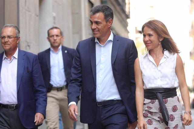 El presidente del Gobierno en funciones, Pedro Sánchez, se reúne con ONG de Cooperación al Desarrollo en el Impact Hub Piamonte de Madrid