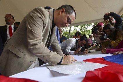 """Iberoamérica.- Venezuela insiste en convocar a los gobiernos de la región amazónica por los """"devastadores"""" incendios"""