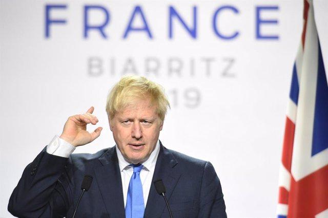 R.Unido.- Johnson quiere suspender el Parlamento hasta octubre para evitar que o
