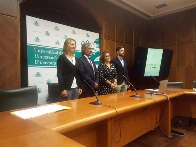Presentación en la Universidad de Oviedo