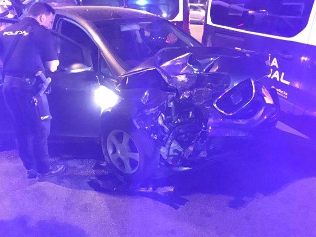 La Policía Nacional detiene a un hombre tras poner en grave riesgo la seguridad vial y arrollar cuatro vehículos