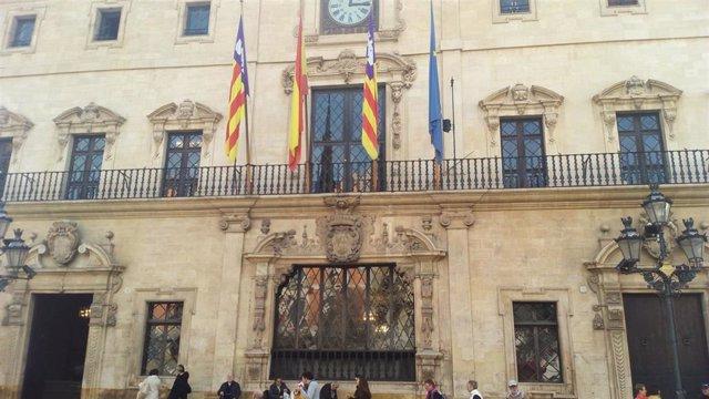 Fachada del Ayuntamiento de Palma en la Plaza de Cort.