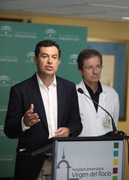 El presidente de la Junta, Juanma Moreno, en su comparecencia informativa de este miércoles tras reunirse con el comité de la listeriosis.