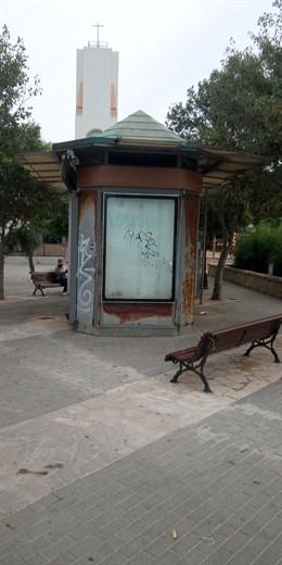El quiosco de la plaza de 'les Meravelles' que ha sido retirado.