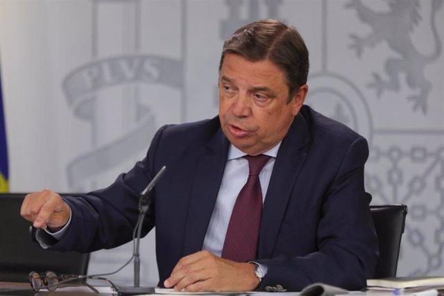 El ministro de Agricultura y Pesca en funciones, Luis Planas, durante su intervención en la rueda de prensa tras el consejo de ministros en La Moncloa.