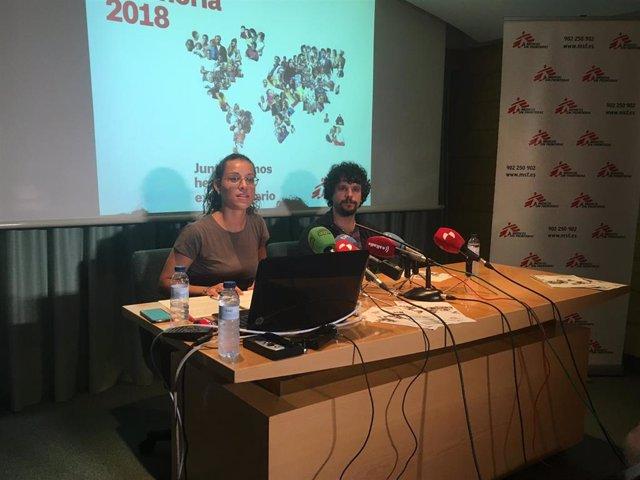 La delegada de MSF para Castilla y León, Ana Tomás, y uno de los cirujanos de MSF Javier Atienza