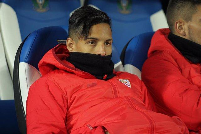 Fútbol.- Arana abandona el Sevilla y se marcha cedido al Atalanta con opción de