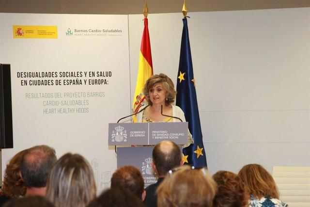 La Ministra de Sanidad, Consumo y Bienestar Social en funciones, María Luisa Carcedo, ha inaugurado la jornada Desigualdades sociales y en salud en ciudades de España y Europa en el ministerio.