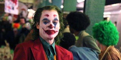 """Joaquin Phoenix desata su brutal locura en el tráiler final de Joker: """"Ahora nadie se ríe"""""""