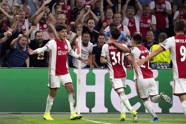 Fútbol/Champions.- (Crónica) Ajax, Brujas y Slavia Praga completan la fase de gr