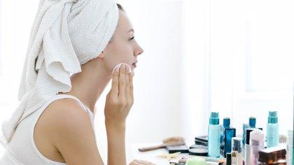 ¿Cómo tratar las manchas de la piel?