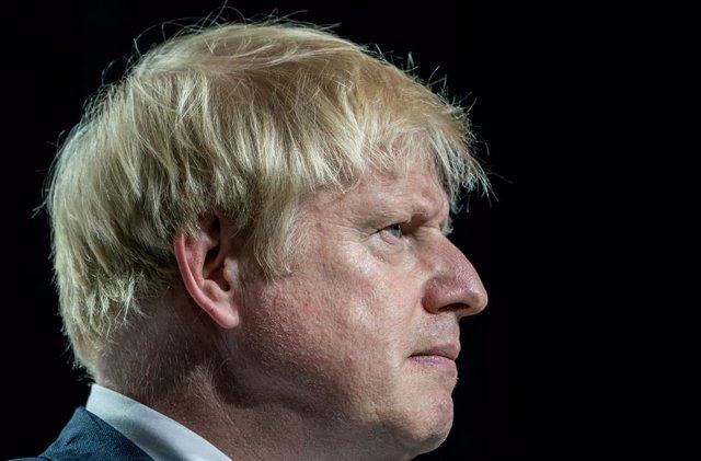 Brexit.- La decisión de Johnson provoca las primeras renuncias en el Gobierno y