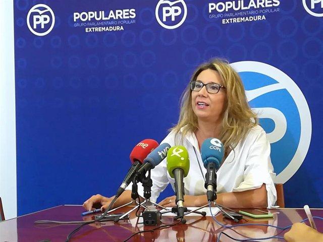 Cristina Teniente en rueda de prensa sobre financiación de la comunidad