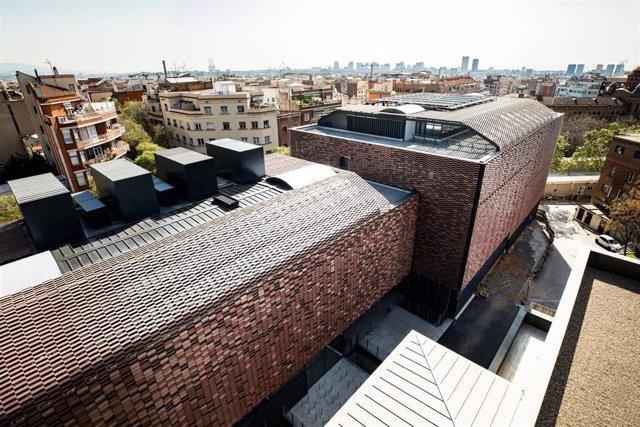 El nuevo edificio del Institut de Recerca de l'Hospital de Sant Pau de Barcelona (IR Sant Pau) en la calle Sant Quintí