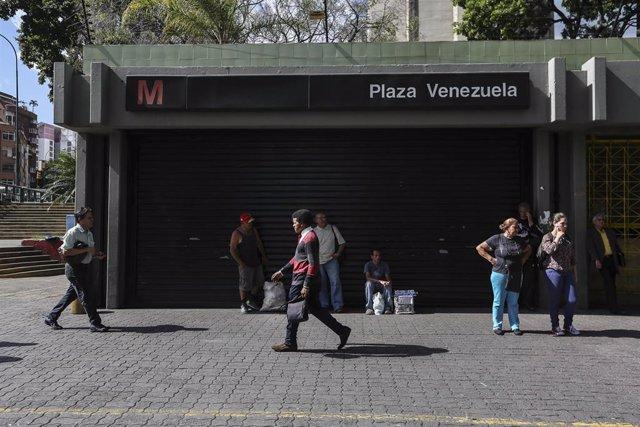 Estación de metro cerrada en Caracas