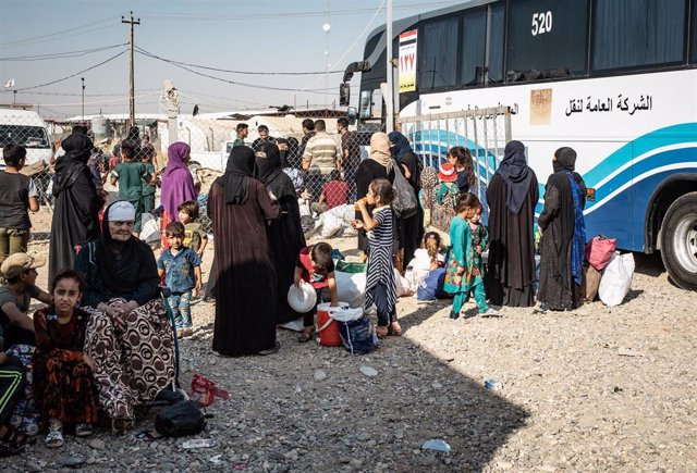 Desplazados iraquíes obligados a abandonar un campamento por las autoridades