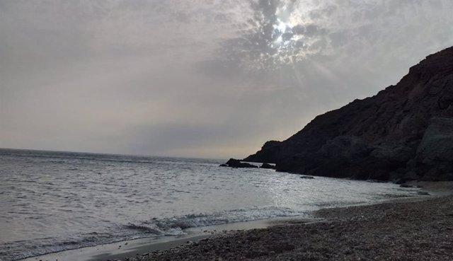 Playa del Corralete, bajo el faro del Cabo de Gata