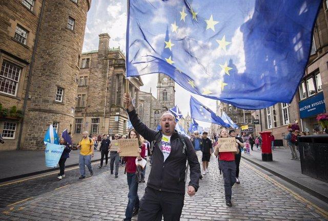 Brexit.- Un tribunal escocés rechaza bloquear por ahora decisión de Johnson de s