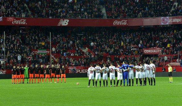 Minuto de silencio guardado en un partido de LaLiga Santander.