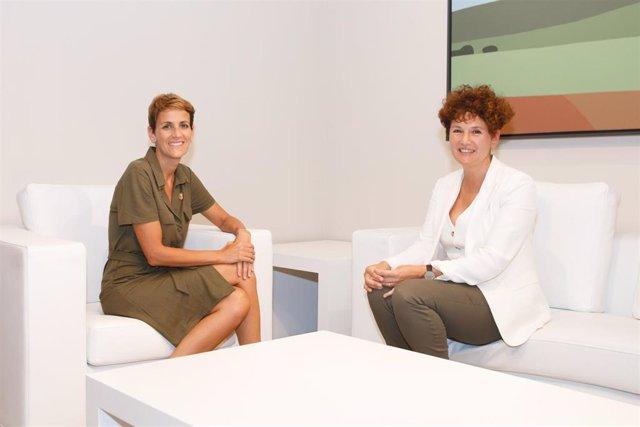 La presidenta de Navarra, María Chivite, y la presidenta de la Cámara de Comptos, Asun Olaechea.