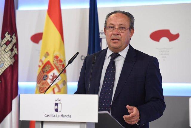 El consejero de Hacienda, Juan alfonso Ruiz Molina, en rueda de prensa