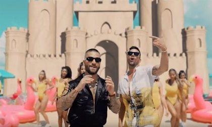 Maluma y Ricky Martin alargan el verano con el refrescante videoclip de 'No se me quita'
