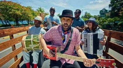 Juan Luis Guerra, colorista y alegre desde Puerto Plata en 'Lámpara pa mis pies'