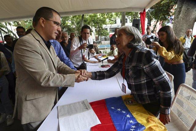 """Colombia.- Venezuela tacha de """"desfachatez"""" que Duque quiera eludir su """"exclusiv"""
