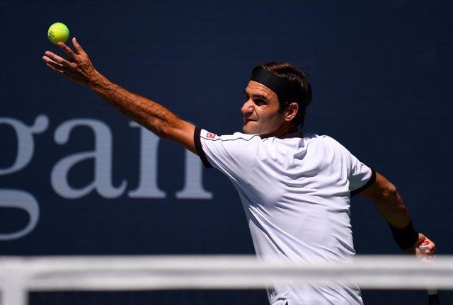 Tenis/US Open.- Federer se pone serio para volar a octavos en Nueva York