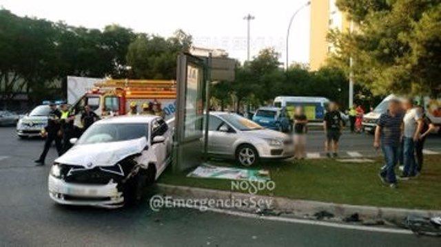 Accidente en Sevilla con cinco evacuados al hospital