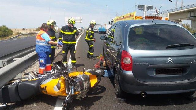 Accidente de tráfico con un motorista fallecido en San Fernando (Cádiz)