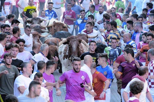 Una imagen de la carrera de los encierros de San Sebastián de los Reyes