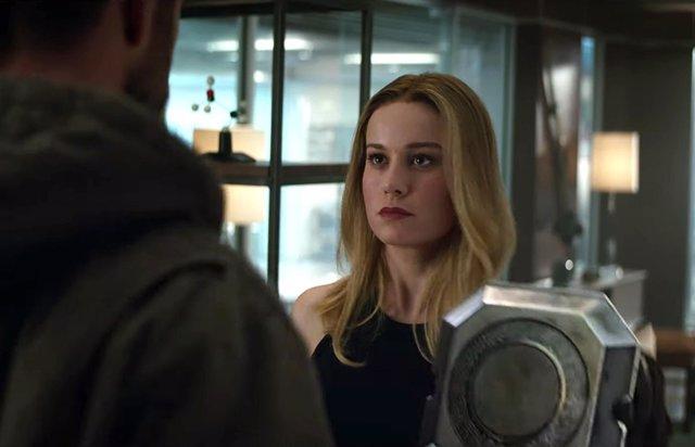 Brie Larson como Capitana Marvel en Vengadores: Endgame