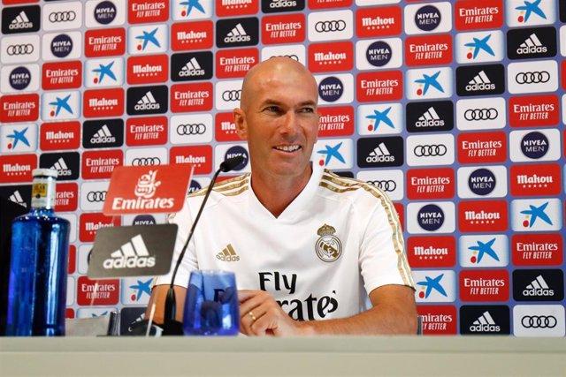 El entrenador del Real Madrid, Zinedine Zidane, en rueda de prensa.