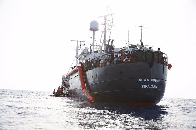 Europa.- El 'Alan Kurdi' se dirige a Lampedusa con trece náufragos rescatados