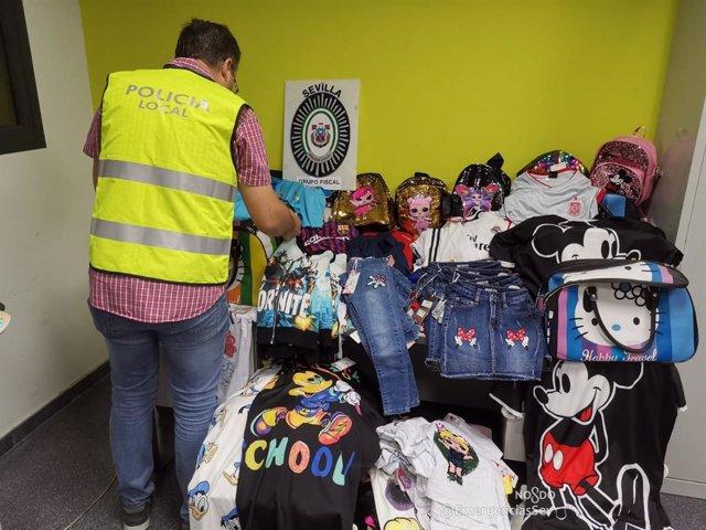 Intervenidas en Sevilla más de 150 artículos de moda y equipaciones de fútbol falsificados