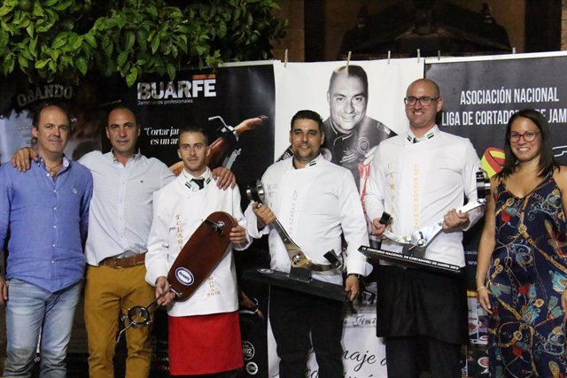 Premiados en el concurso de cortadores de jamón