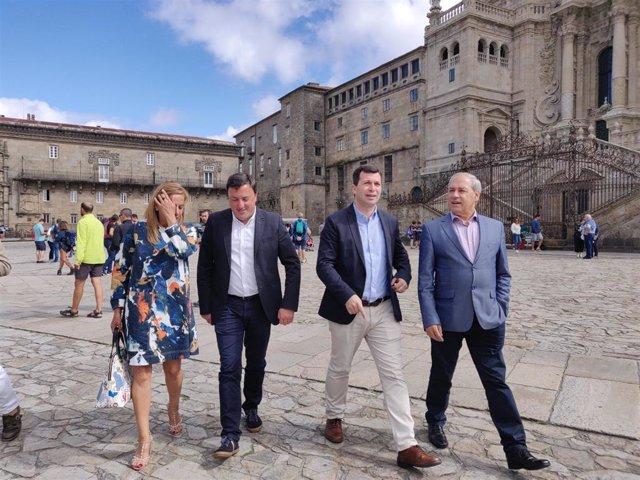 El secretario xeral del PSdeG, Gonzalo Caballero, junto con los presidentes socialistas de las diputaciones de Lugo, A Coruña y Pontevedra