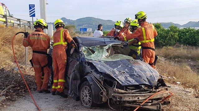 Accidente de un vehículo en la A-7 en Beneixida