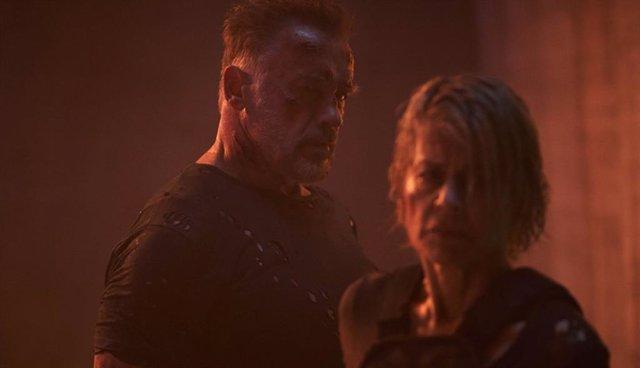 Arnold Schwarzenegger y Linda Hamilton en Terminator: Destino Oscuro