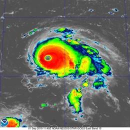 L'huracà Dorian adquireix categoria 5