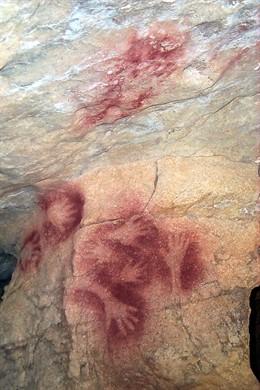 Imagen de las pinturas halladas en la cueva de Salín